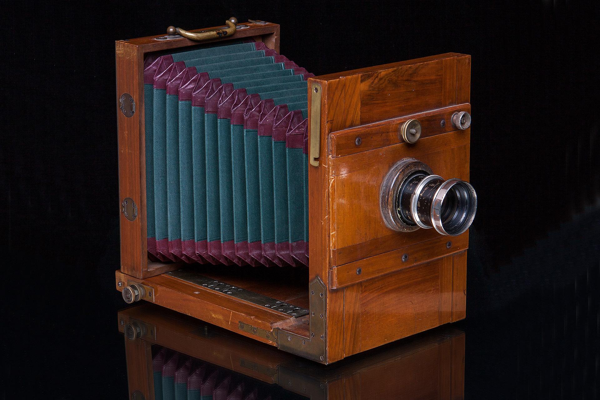 Historische Fotokamera, Format 13 cm x 18 cm