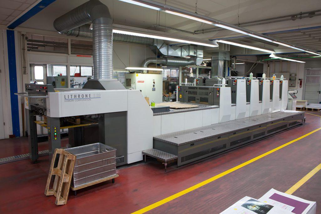 Offset-Druckmaschine mit 6 Druckwerken